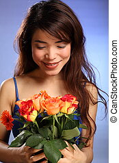 Beautiful Japanese girl and flowers - Flower delivery Beauty...