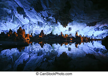 Reed Flute Cave Lu Di Yan - Underground lake in the Reed...