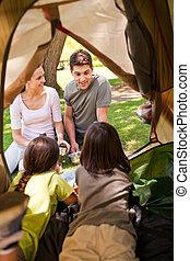 feliz, familia, campamento, parque