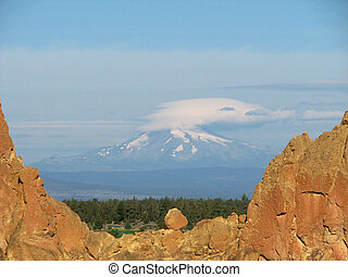 asterisk pass view - Mount Jefferson with a lenticular cloud...
