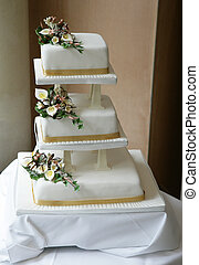 wedding cake - three teir white wedding cake