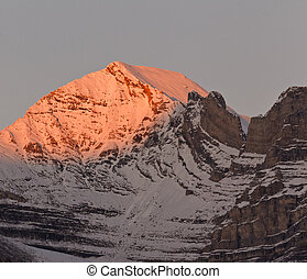 Beautiful alpenglow in the Canadian Rockies, Canada -...