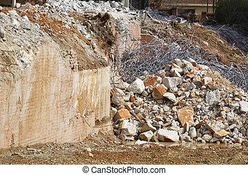 Pile of metal & concrete rubble