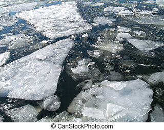 floating of ice in spring