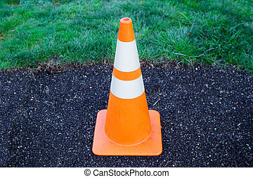 Single safety cone