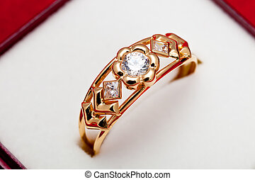 Gold ring with white zirconia enchased - Fantastic gold ring...