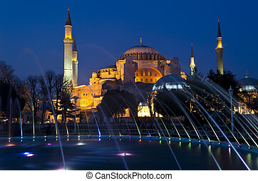 Night view of Hagia Sophia (Aya Sofia) mosque in Istanbul