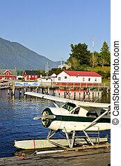 Sea plane at dock in Tofino, Vancouver Island, Canada -...