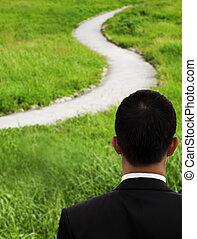 negócio, homem, pensando, observar, curvado, estrada