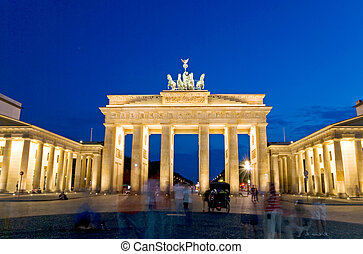 brandeburger tor nacht - brandenburg gate in berlin at night...