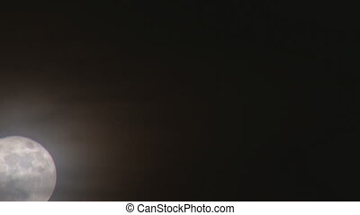 "Eerie Wispy Super Moon close - Full ""supermoon\"" rising..."