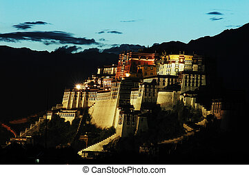 Night scenes of Potala Palace - Night scenes of the famous...