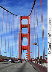 Traffic on the Golden Gate bridge, San Francisco, California, USA.