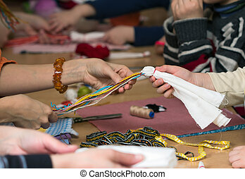 Making doll Vesnyanka - Russian folk crafts. Making rag doll...