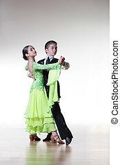 niño, niña, bailando, salón de baile,...