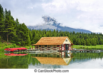 山, ボートハウス, 湖