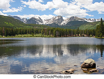 Beautiful Sprague Lake in Rocky Mountain National Park in...
