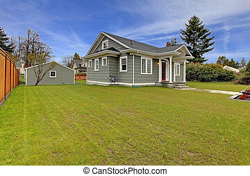 Small cute grey house with garage - Small cute grey New...