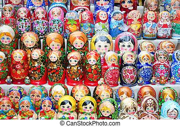 Matruska - Moldovian and Russian dolls matruskas as...