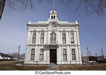 Wild West Courthouse - Still used victorian courthouse in...