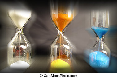Hourglass of three colors