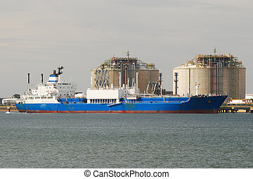 Carrier ship, factory in Spain - Carrier ship and oil i gas...
