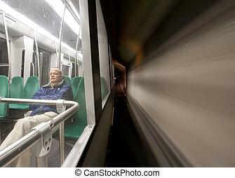 旅行者, 地下鉄