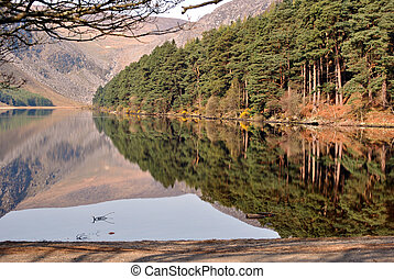 mountains and lake in ireland - lake and mountains in...