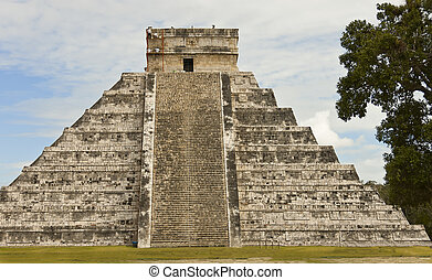 Pyramid Chichen Itza - Pyramid of Chichen Itza, Mexico,...