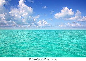 Caribbean sea horizon on blue sky vacation day - Caribbean...