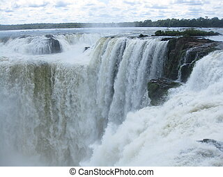 Devils throat in Iguazu Falls - Waterfalls on Devils Throat...