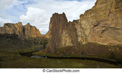 Smith Rock Time Lapse - Smith Rock state park, Oregon, time...