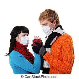 Llevando, abrazos, mujer, gripe, máscaras, hombre