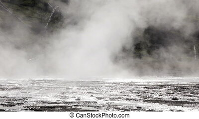 Crested Pool Geyser - Profile of Crested Pool geyser in...
