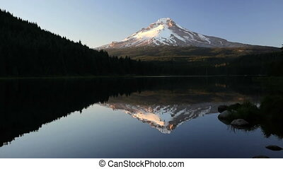 Trillium Lake and Mt Hood, Oregon
