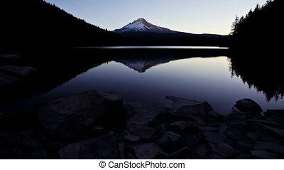 Mt Hood Sunrise, time lapse - Sunrise over Trillium Lake,...