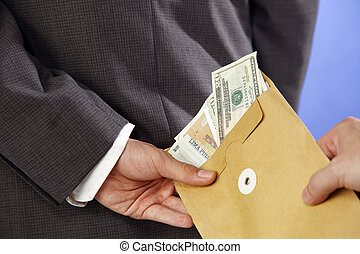 crime - man received money in the envelope