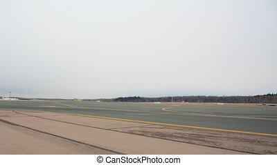 Airport runway timelapse - Airport runway