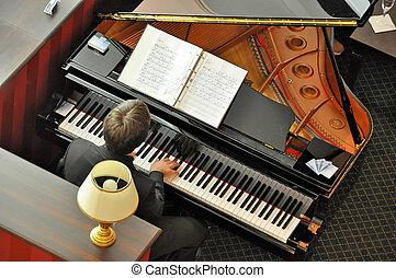 zenész, zongora