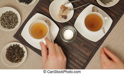 Couple take a tea, 5DII, 1080p, 29.97 fps, 1/30