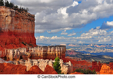 Red Sandstone Canyon cliffs at Bryce Canyon.