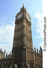 tall big ben - a wide angle shot gettin all of londons big...
