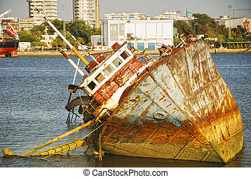 Old hull, ship wreck - Lost Worlds - Abandoned ship wreck