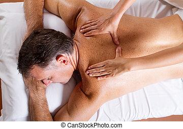 meio, envelhecido, homem, costas, massagem