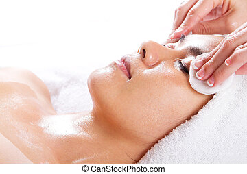 woman clean up for facial