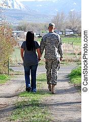 militare, coppia, giovane