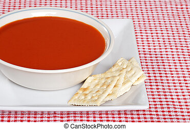 tomato soup with crackers