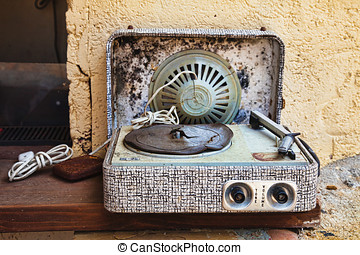 Record player, worn out - Record player grammophone, worn...