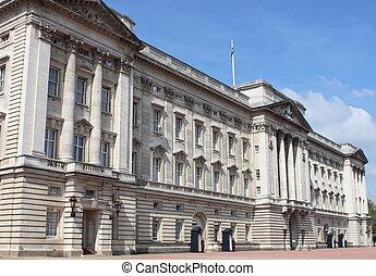 Buckingham Palace - Landscape view of Buckingham Palace,...