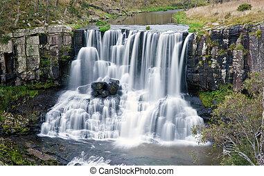 ebor falls waterfall - beautiful ebor falls waterfall in NSW...